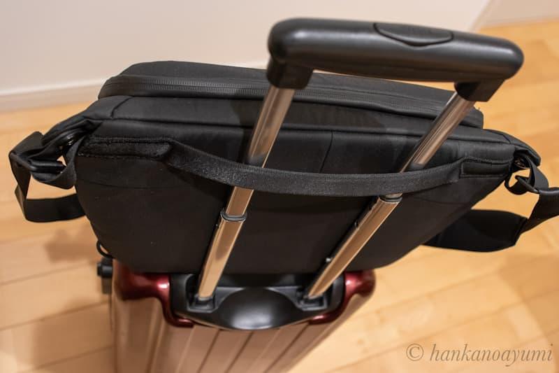 ピークデザインのエブリデイスリング10LV2をスーツケースやキャリーケースに取り付け