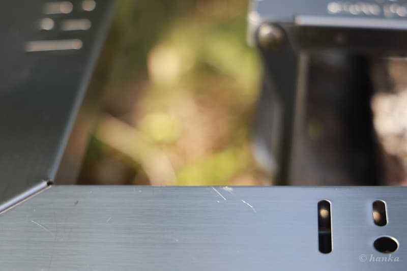 ジカロテーブルの傷