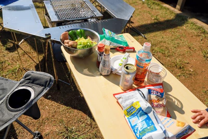 ジカロテーブルとマルチファンクションテーブル竹