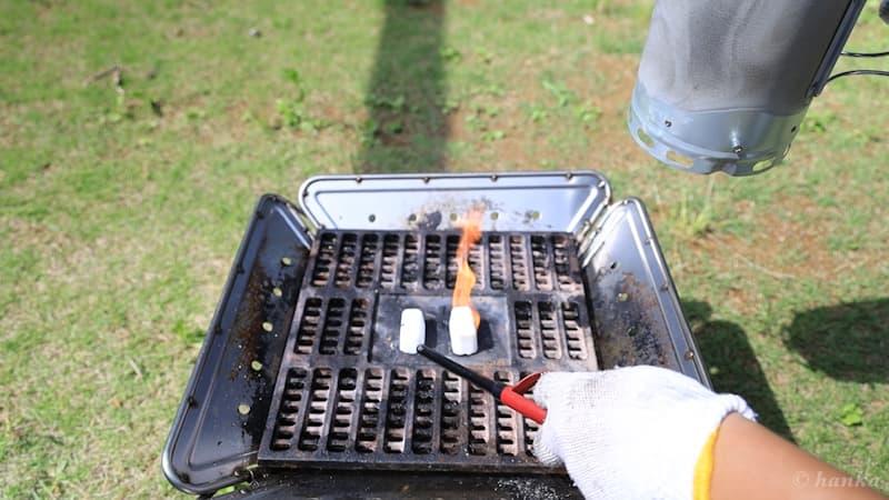 火起こし器と着火剤