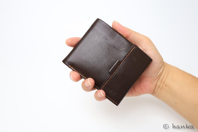 薄い財布のグリップ感