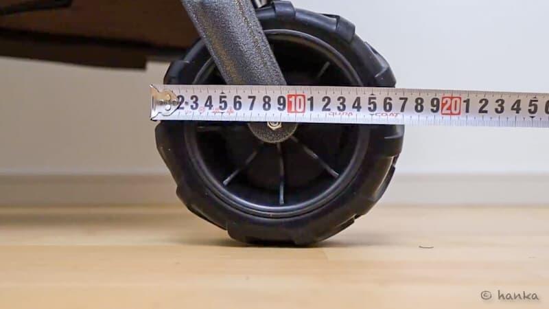 アウトドアワゴンのタイヤ径